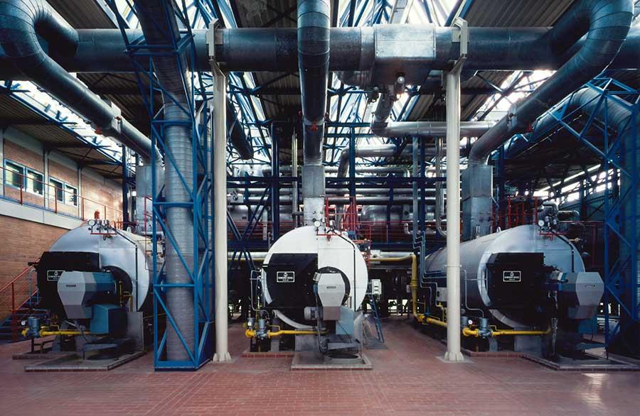 Öl- und gasgefeuerte 3x 8 t/h Dreizugdampfkesselanlage (1983)
